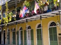 Flores e balcões de Nova Orleães fotos de stock royalty free