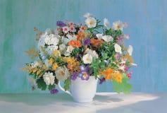 Flores e copo fotos de stock royalty free