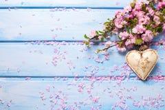 Flores e coração Imagens de Stock Royalty Free