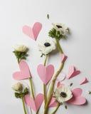 Flores e corações Imagem de Stock