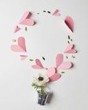 Flores e corações Imagens de Stock