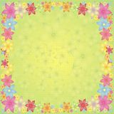 Flores em um fundo verde Imagens de Stock Royalty Free