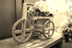 flores em uma cesta Foto de Stock Royalty Free