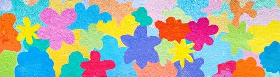 Flores em uma parede foto de stock royalty free