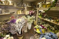 Flores en el mercado Imagen de archivo libre de regalías