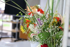 Flores en florero Fotografía de archivo