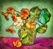 Flores en un florero cristalino Fotografía de archivo libre de regalías