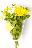 Flores en un florero de cristal Imágenes de archivo libres de regalías