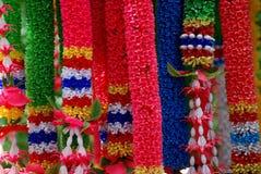 Flores en una capilla budista Foto de archivo libre de regalías