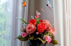 Flores falsas Foto de archivo libre de regalías