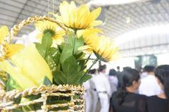 Flores falsas coloridas Foto de archivo libre de regalías
