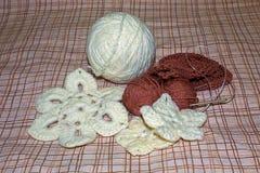 Flores feitas malha knitwear foto de stock royalty free