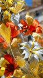 Flores hermosas de papeles brillantes foto de archivo