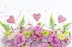 Flores hermosas en el fondo blanco fotos de archivo