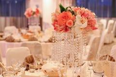Flores hermosas en la tabla Fotografía de archivo
