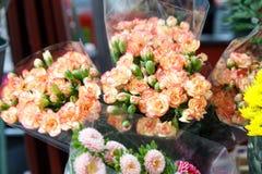 Flores hermosas para el día de tarjetas del día de San Valentín Fotos de archivo