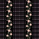 Flores inconsútiles con el modelo de flores rosado en fondo negro Imagen de archivo libre de regalías