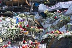 Flores nas barricadas de Kiev Fotografia de Stock Royalty Free