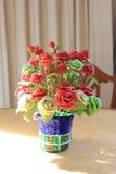Flores no vaso no dia Imagem de Stock Royalty Free