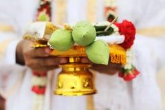 Flores para adorar a Buda, Tailandia Fotografía de archivo libre de regalías