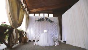 Flores para a cerimônia de casamento, fundo do arco do casamento filme