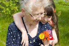 Flores para la abuela Imagen de archivo libre de regalías