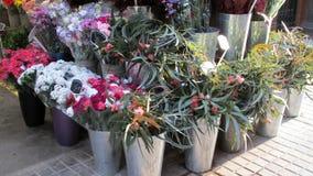 Flores para a venda no mercado Fotografia de Stock Royalty Free