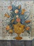 Flores, pintando en el altar Imagenes de archivo