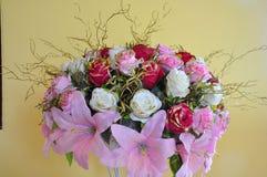 Flores plásticas Foto de Stock Royalty Free