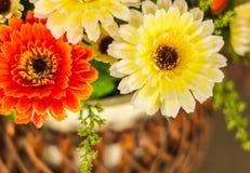 Flores plásticas coloridas fotografia de stock royalty free
