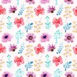 Flores rojas de la acuarela inconsútil del modelo y púrpuras florales libre illustration