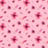 Flores salvajes blancas y rosadas del modelo inconsútil en backgground rosado del color en colores pastel mano del ejemplo dibuja imagen de archivo libre de regalías