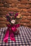 Flores secadas en la composición Imagenes de archivo