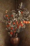Flores secadas en un florero Imagen de archivo libre de regalías