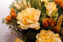 Flores secadas no primeiro plano, ramalhetes de flores secadas, arranjo de flor Imagem de Stock