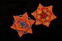 Flores tejidas a mano de Huichol Foto de archivo