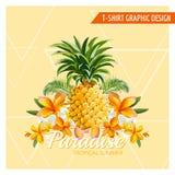 Flores tropicales y diseño gráfico de la piña Imagen de archivo