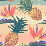 Flores tropicales y piña exóticas inconsútiles Imagen de archivo libre de regalías