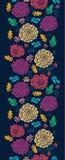 Flores vibrantes coloridas em sem emenda vertical escuro Imagens de Stock Royalty Free