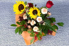 Flores y música Fotos de archivo