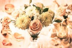 Flores y rosas del otoño foto de archivo libre de regalías