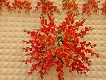 Florescência artificial OnsideTheWall para o evento do casamento imagem de stock royalty free
