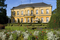 Florescendo floresce no jardim, castelo para o leste, Valkenburg Imagem de Stock Royalty Free