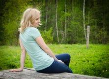 Floresta de florescência do verão brilhante Imagens de Stock