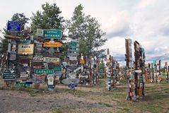 Floresta do cargo de sinal em Watson Lake, Yukon, Canadá foto de stock royalty free