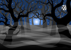 Floresta e Lua cheia espectrais escuras Imagens de Stock Royalty Free