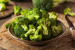 Florets crus orgânicos verdes saudáveis dos brócolis Foto de Stock Royalty Free