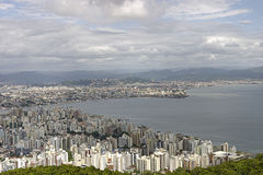 Florianopolis flyg- sikt - Brasilien royaltyfria foton