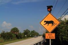 Florida-Panther-Überfahrt-Zeichen lizenzfreie stockbilder