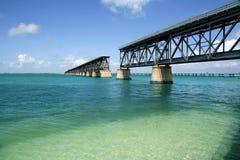 Florida sluit gebroken brug, turkoois water Royalty-vrije Stock Fotografie